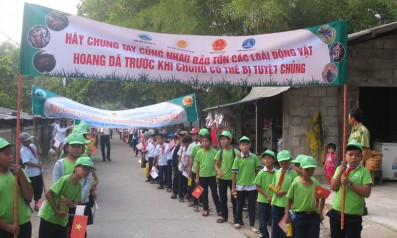 Vườn quốc gia Bạch Mã phối hợp với Hạt Kiểm lâm huyện Phú Lộc và Trường Tiểu học Nước Ngọt 1 và Nước Ngọt 2 tổ chức buổi diễu hành, cổ động bảo vệ rừng tại xã Lộc Thủy