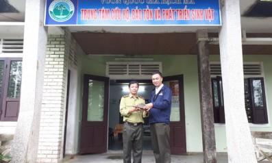 Vườn quốc gia Bạch Mã tiếp nhận cá thể rùa Sa nhân từ người dân hiến tặng