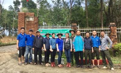Chi đoàn thanh niên cộng sản Hồ Chí Minh Vườn quốc gia Bạch Mã thực hiện Ngày chủ nhât xanh